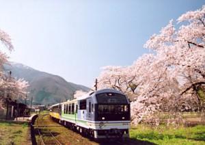 芦ノ牧温泉駅と桜♪