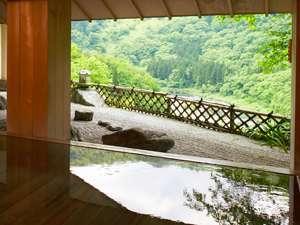 樹齢2千年 古代檜風呂